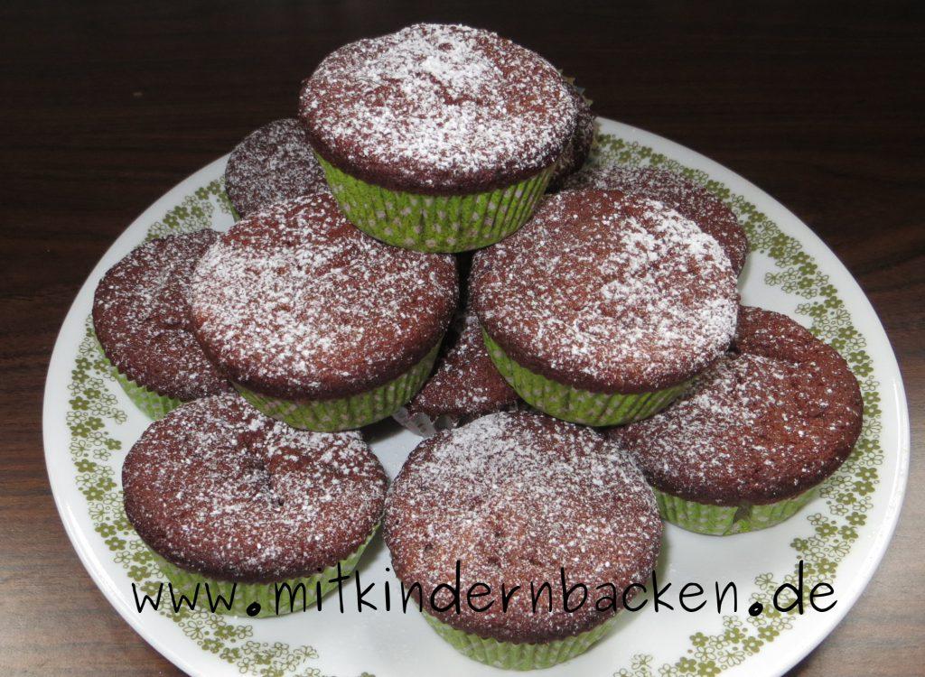 Muffins mit Bananen, Nüssen und Schokolade, eifrei, ohne Ei