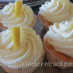 Cupcakes mit Sahne und Mascarponetopping