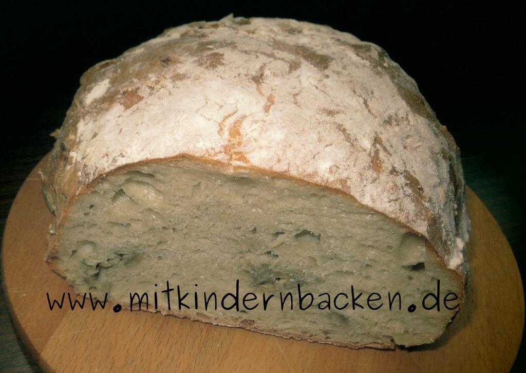Rezept für Brot ohne Kneten, ähnlich einem italienischen Ciabatta mit Trockenhefe