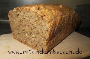 Einfaches Brot aus Vollkornmehl mit Hefe