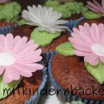 Buttermilchmuffins mit Essblumen