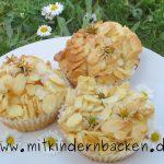 Muffins mit Gänseblümchen
