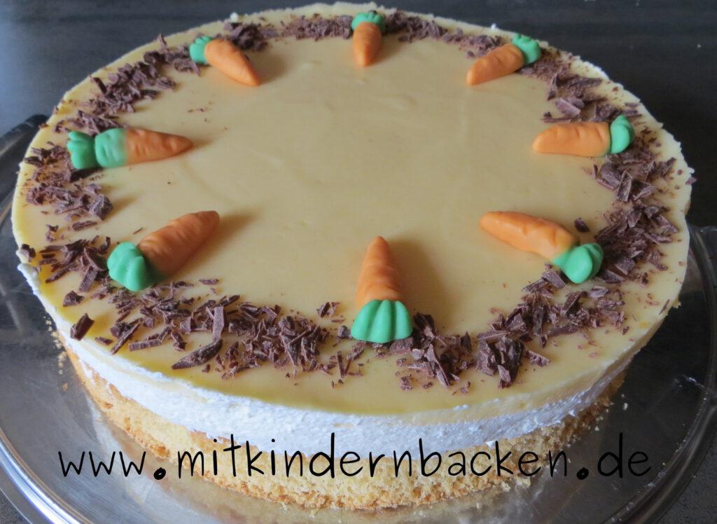 Schnelle Torte Arancatorte mit Mandarinen, Pfirsich-Maracuja und Sahne